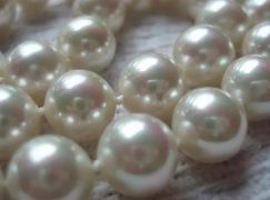 Know the Difference between Real and Imitation Pearls