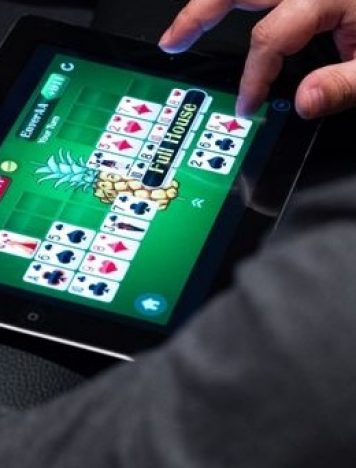 Gain a huge profit to focus on 4 clues in online poker gambling